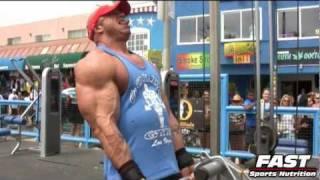 """IFBB Pro Jari """"Bull"""" Mentula @ Muscle Beach 2011"""