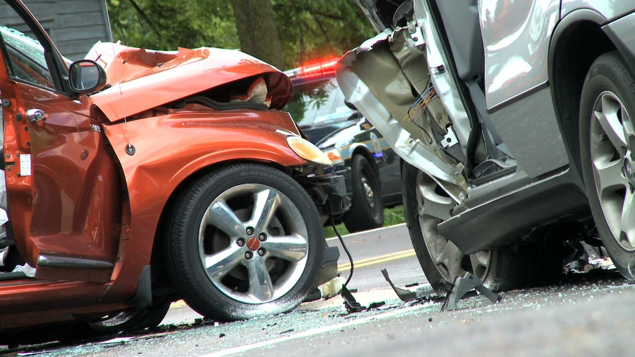 When is a car considered totaled? - YouTube
