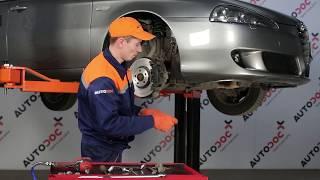 Wie ALFA ROMEO 147 (937) Bremsbelagsatz Scheibenbremse austauschen - Video-Tutorial