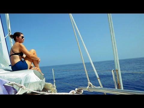 Strip, Scrape, Sail | Sailing Vlog 72 (Sailing Ruby Rose)