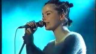 Björk - Venus as a Boy (The Beat, UK TV 1993)