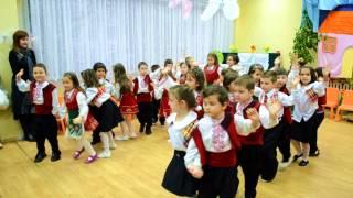 НИХ''Вікторія'' Пловдив (5 група) -''Хоровод''