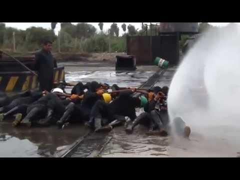 Práctica de pitoneo para brigadas contra incendios