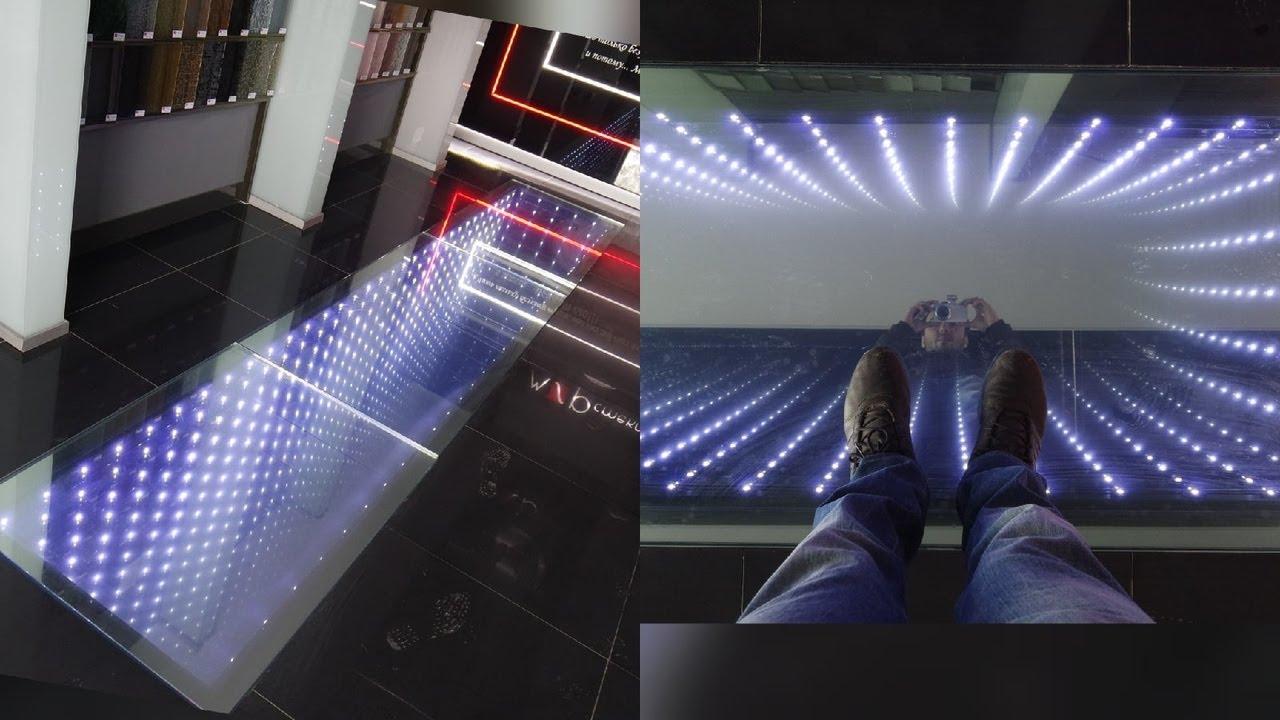 Скрытая камера под стеклянным полом