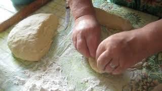 2.Пресные плоские пирожки с печёнкой и картошкой.Нарезка и лепка