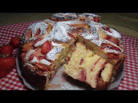 TORTA DI ROSE CON CREMA E FRAGOLE - Ricetta Facile