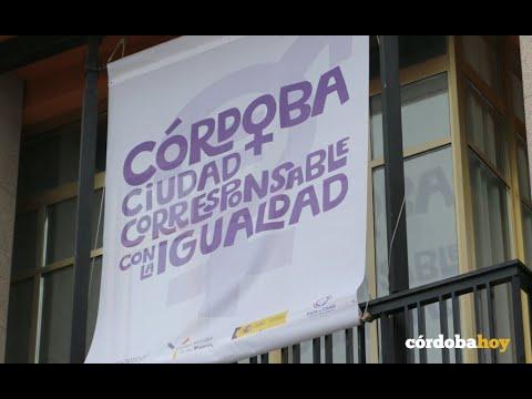 El Ayuntamiento de Córdoba despliega una pancarta en el 8 de Marzo, Día de la Mujer