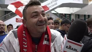 Il Bari vola in C: centinaia di tifosi accolgono la squadra in aeroporto