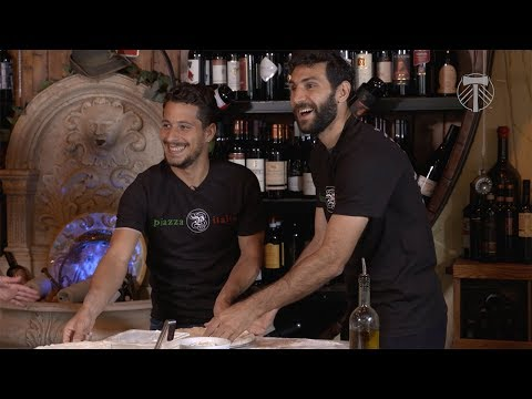 Sebastián Blanco teaches Diego Valeri how to make pizza