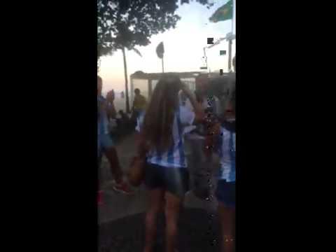 0 Torcedores Mexicanos trolando as torcedoras Argentinas
