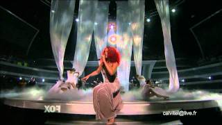 Rihanna LIVE (California King Bed) [HD]