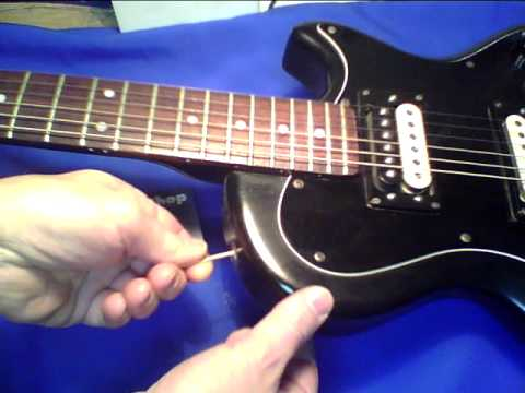 Guitar shop barcelona reparacion guitarra pivotes correa for Guitarras barcelona