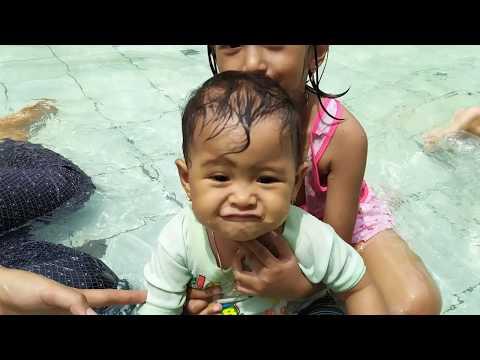 2020 Jalan2 Di Kolam Renang Saja Anak Anak Sudah Seneng Banget,di Akhir Video Bpk Zena Atraksi