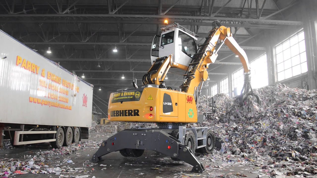 Liebherr Lh22 Material Handler In Waste Paper Application