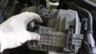 как поменять воздушный фильтр двигателя на хундай сантафе