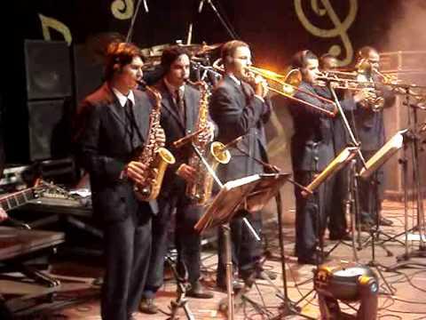 DVD 50 Anos Orquestra Super Oara - HIT THE ROAD JA...