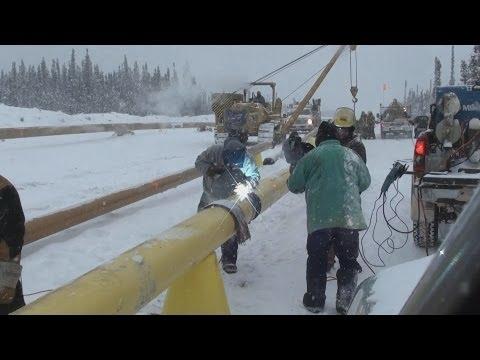Pipeline Welding  -  Beading In A Blizzard