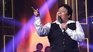 Juan Gabriel se llevó los aplausos con su gran show cantando