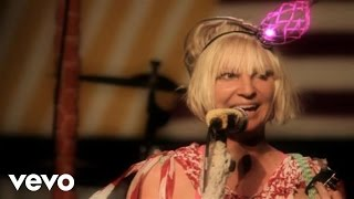 Repeat youtube video Sia - The Fight (Live At London Roundhouse)