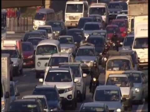 Sao Paulo: A city with 180km traffic jams - Part I (by BBC)