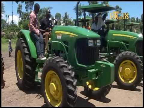 le pr sident de la r publique jovenel mo se a remis des tracteurs agricoles youtube. Black Bedroom Furniture Sets. Home Design Ideas
