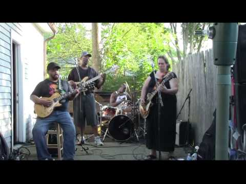 Unbelievable  Version of Walkin' Blues Joanna Connor Band @ Carty BBQ in Norwood