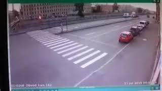 Смотреть видео Санкт-Петербург. ДТП. Яндекснетакси снова убило пассажиров онлайн