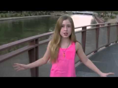 Amazing girl sing Roar like Katy Perry must watch it!