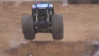 camiones monstruo Monster Jam Valencia carreras competiciones El viejo Legionario v 3/8