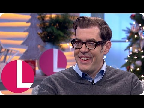 Richard Osman and Lorraine Play 'The World Cup of Christmas' | Lorraine