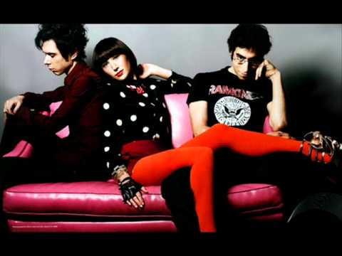 Little Shadow 10 - Yeah Yeah Yeahs - It's Bltz