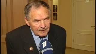 Смотреть видео Ушаков и мэр Москвы 25 8 2010 онлайн