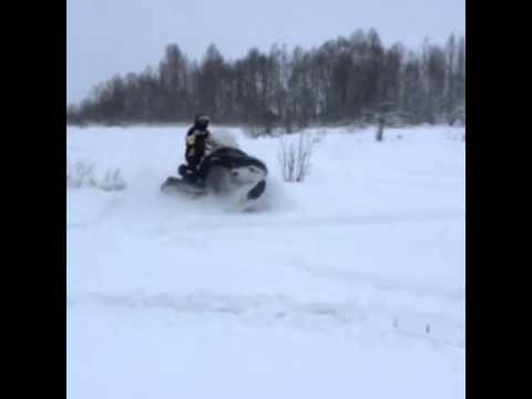 Stels Ермак по глубокому снегу