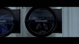 GH5 + Sigma 18-35 f/1.8   The Laundry Run