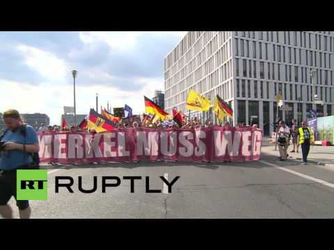 Germany: Thousands protest refugees at 'Merkel must go' rally in Berlin