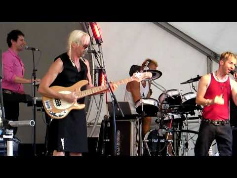 Kajagoogoo - Interview Rooms and White Feathers live at Aylesbury