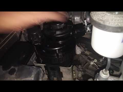 How to reset fuel filter warning light Hilux vigo,How to replace fuel filter Hilux vigo,