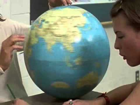 "Mandela Effect - Spinning Globe From ""Dazed And Confused"""
