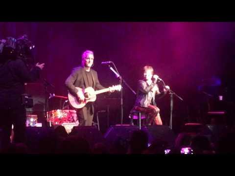 "Pat Benatar ""Heartbreaker"" Medley @ The Fillmore (Acoustic 4 A Cure) - San Francisco 5/15/2017"