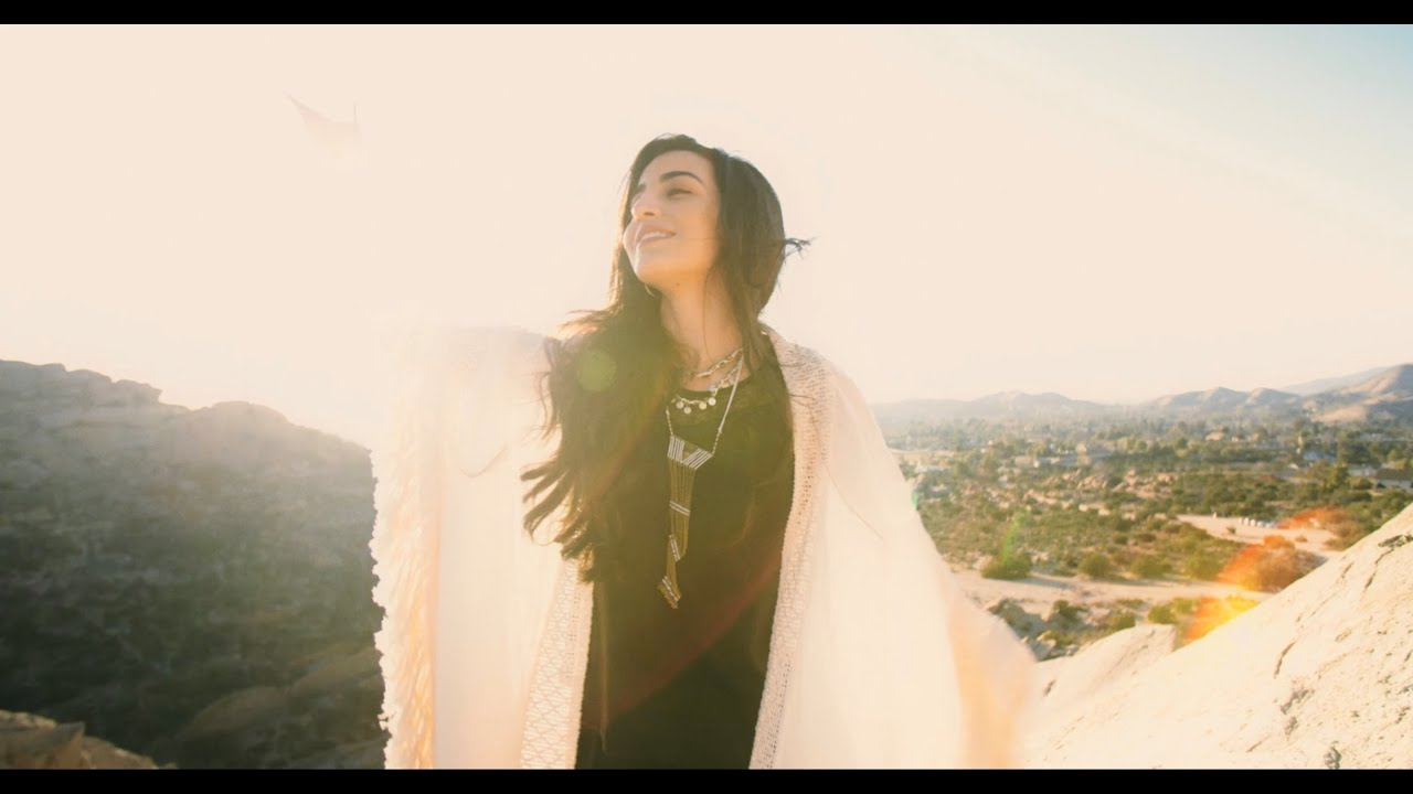 Dive - Luciana Zogbi (Official Music Video)