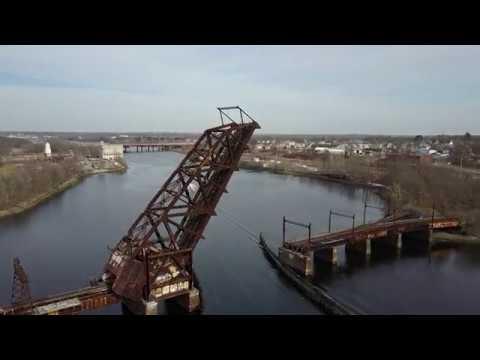 DJI Mavic Pro Flight.Fox Point Draw Bridge,Downtown Providence.