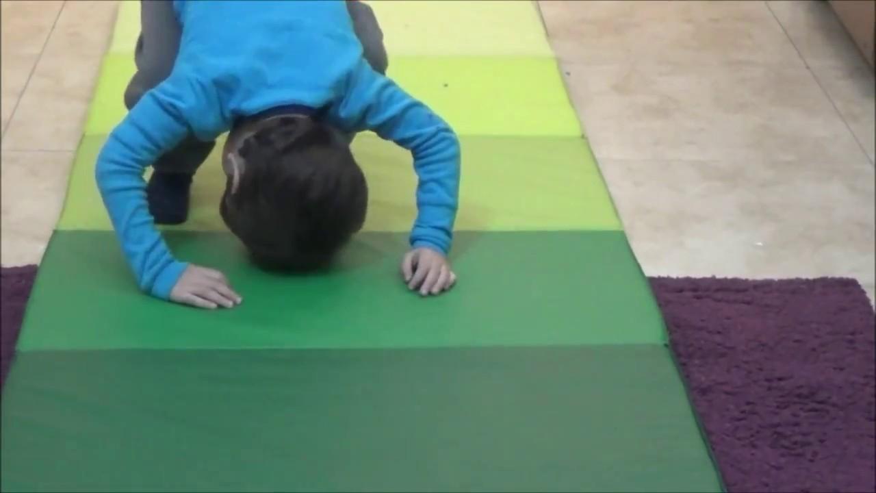 Image forward roll jpg gymnastics wiki - Forward Rolls On Ikea Gymnastic Mat