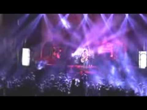 Ariel NOAH Menangis Haru Ketika Menyanyikan Lagu 'YANG TERDALAM'