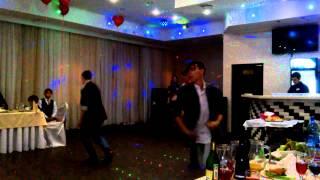 Танец жениха и его друзей