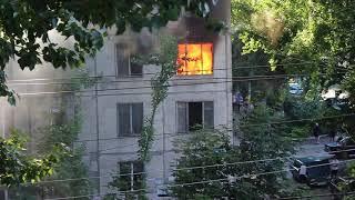 Пожар в Саратове рядом Сгту