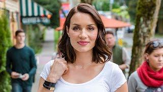 The People of Cedar Cove - Rebecca Marshall as Alex