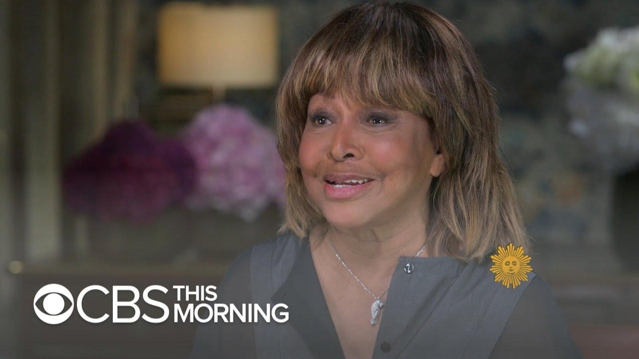 11 Glamorous Photos of Tina Turner