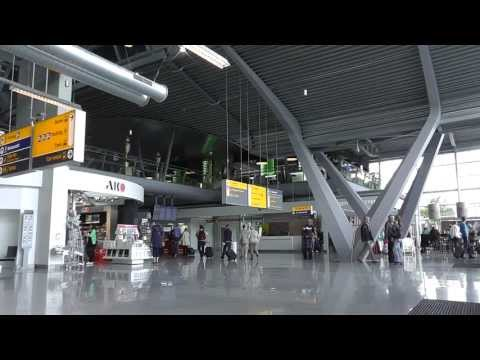 (HD) The brand new Eindhoven Airport terminal