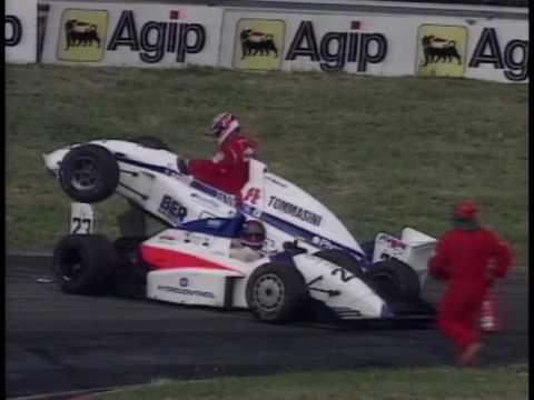 crashes-de-voiture-de-course---youngtimers