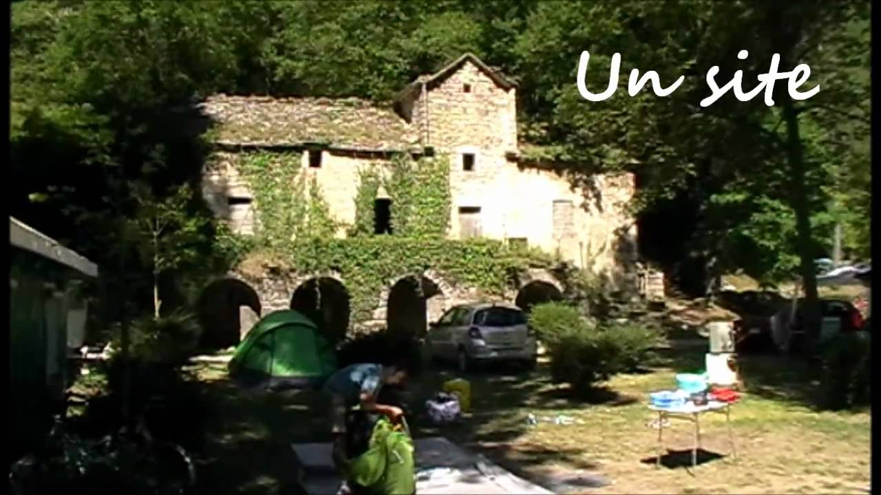 Camping les fayards gorges du tarn youtube for Camping gorges du tarn piscine